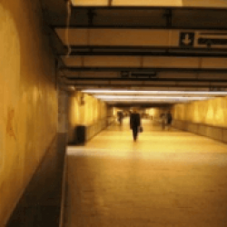 Broodnodige renovatie wandelgang Centraal Station in september eindelijk van start