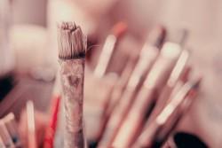 Schepen Coppens opent vernissage nieuwe tentoonstelling Vrij Atelier
